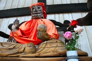 Binzuru à l'entrée du Daibutsu-den, Todai-ji, Nara